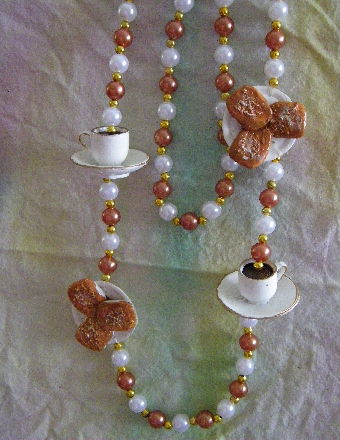 New Orleans coffee & benigts Mardi Gras Beads